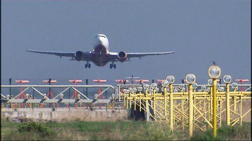 Gobierno de España y Canarias adoptan medidas sobre la emisión de gases de efecto invernadero en la aviación