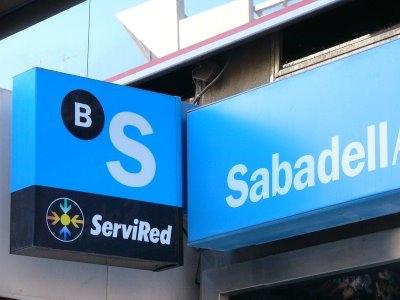 Sabadell genera utilidades de 84,2 millones en el primer trimestre del 2011