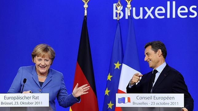 Angela Merkel y Sarkozy durante la cumbre