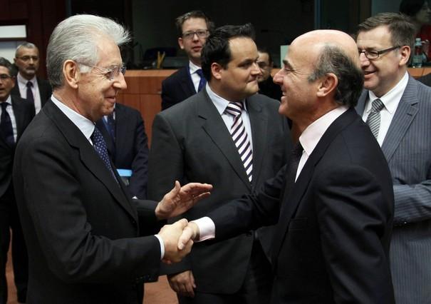 Mario Monti con Luis de Guindos