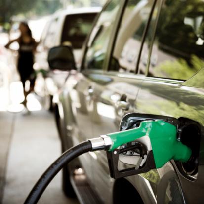 Los carburantes suben un 1,77% en la última semana