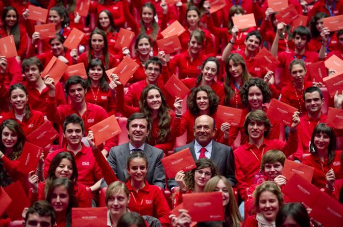 Fundación Banco Santander, becas