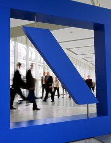 Deutsche Bank gana un 20% más hasta marzo