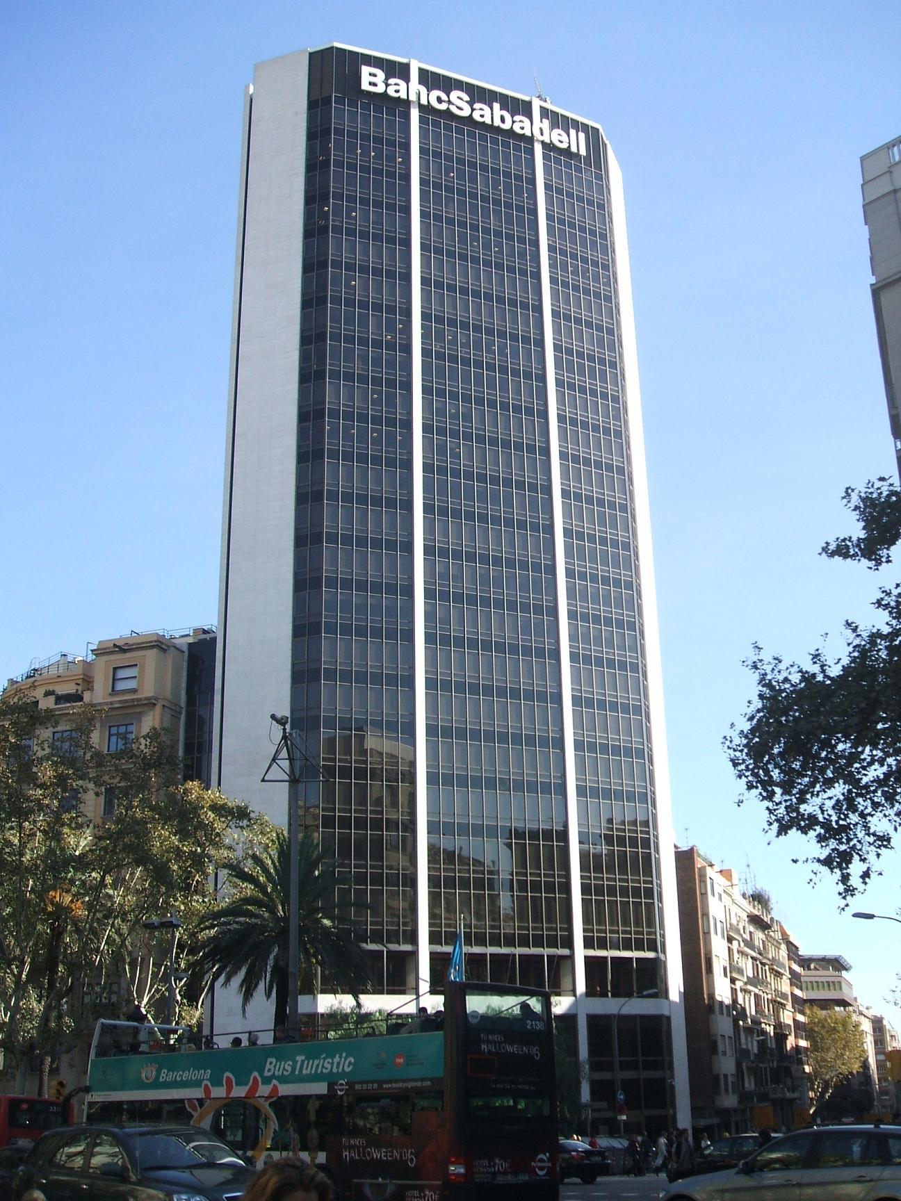 Banco sabadell busca el liderazgo en la comunidad valenciana for Oficinas sabadell cam en valencia