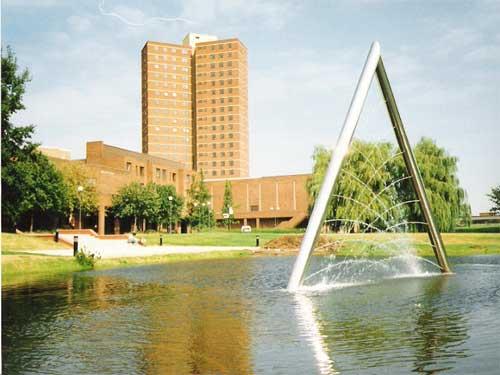 Universidad de Aston