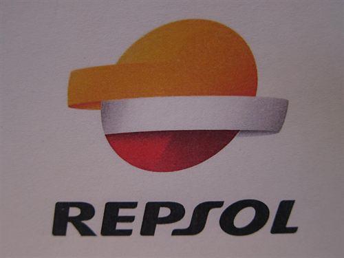 Repsol se alía con Caixabank y BBVA para el canje de las preferentes