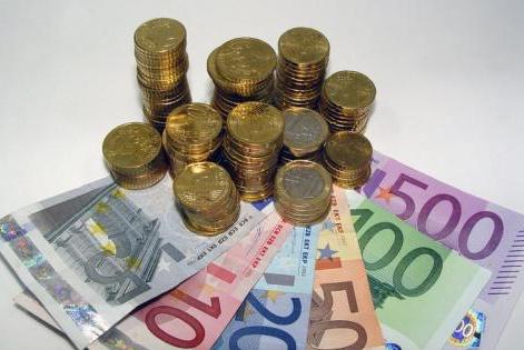 La economía registrará tasas positivas de crecimiento a partir del tercer trimestre, según Linde