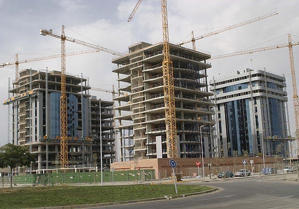 Amancio Ortega, Slim y Villar Mir, líderes en inversión inmobiliaria