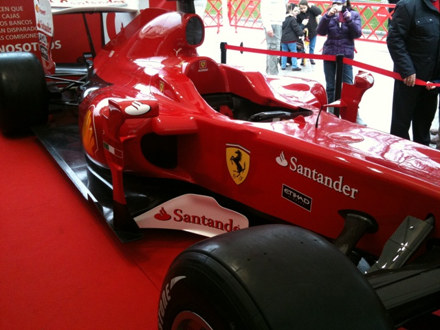 Banco Santander presenta el nuevo trofeo de F1 de Gran Bretaña y Alemania 2014