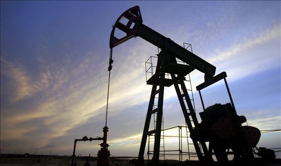 El barril de petróleo por debajo de los 100 dólares