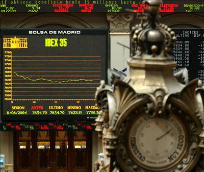El Ibex cae un 0,7% a media sesión