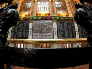 El Ibex retrocede un 0,35% a media sesión