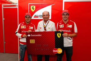 Banco Santander alcanza el medio millón de clientes tarjeta Ferrari