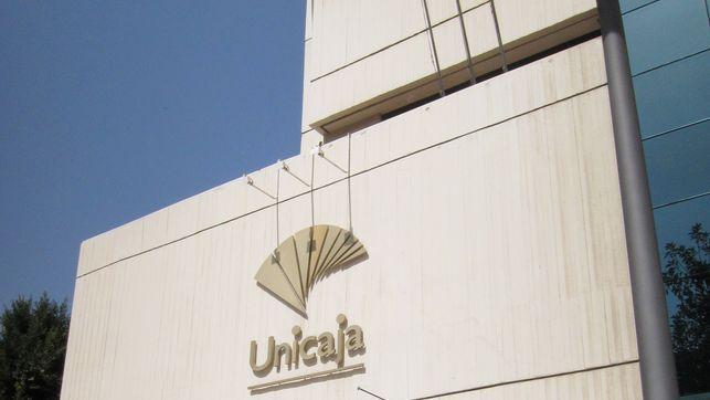 Unicaja obtiene un 97,56% del capital de Banco CEISS