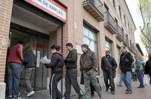 El desempleo baja una décima en la eurozona y en la UE