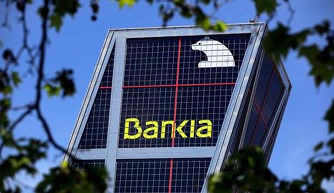 Bankia concedió 15.000 millones en créditos en 2013