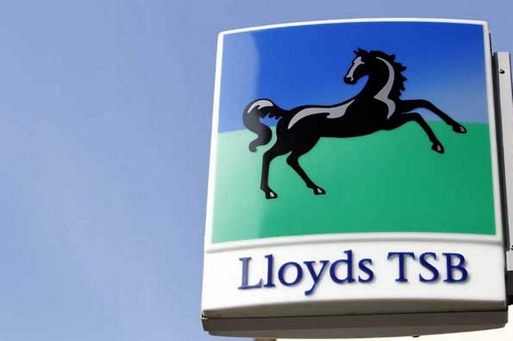 Lloyds congela los planes de pensiones de 35.000 empleados