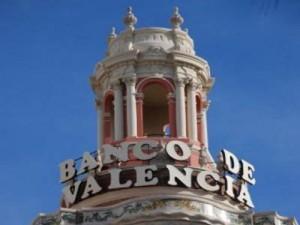 Imputados trece exconsejeros del Banco de Valencia