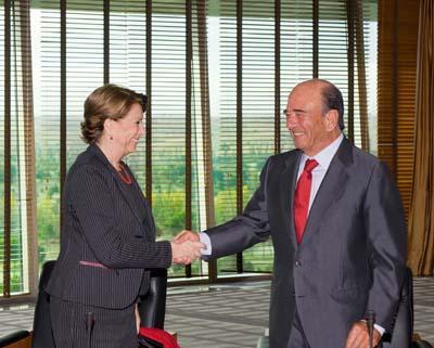 Banco Santander y BEI firman préstamos para estimular la economía