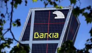 Guindos no descarta recuperar las ayudas a Bankia
