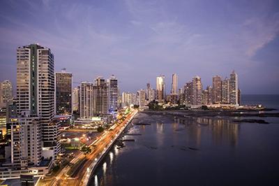 Panamá se ofrece como puerta de entrada a América Latina