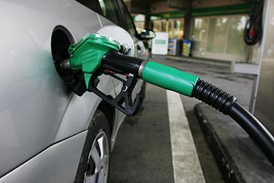 El precio de la gasolina se mantiene en máximos