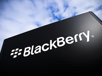 BlackBerry tiene pérdidas trimestrales por debajo de lo esperado
