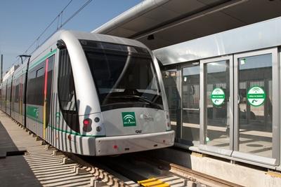 ACS, Sacyr y CAF venden a Globalvía el metro de Sevilla por 177 millones