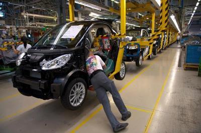 La actividad del sector privado en Francia crece por encima de lo esperado