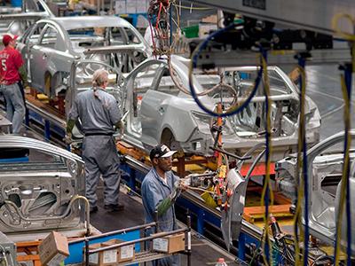 La producción de coches en Venezuela cae un 76,08%