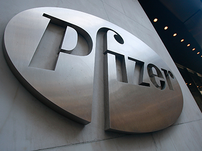 Pfizer reduce su beneficio trimestral