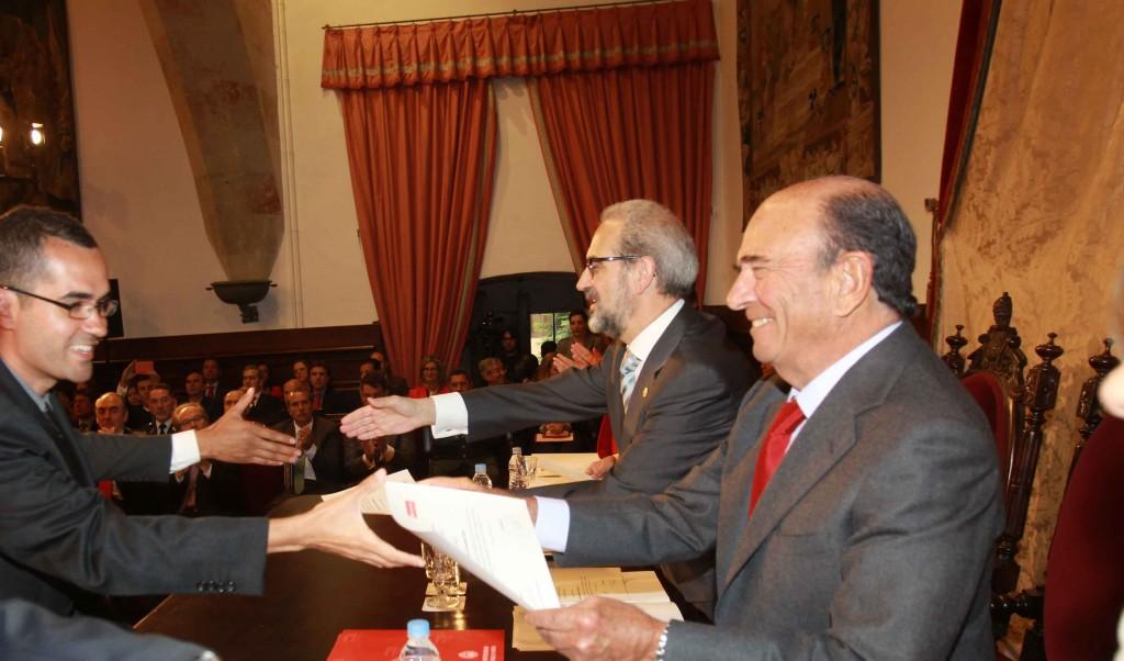 Emilio Botín entrega las becas de movilidad internacional en la USAL