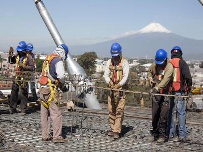 OIT: la caída del crecimiento económico puede afectar al empleo en América Latina