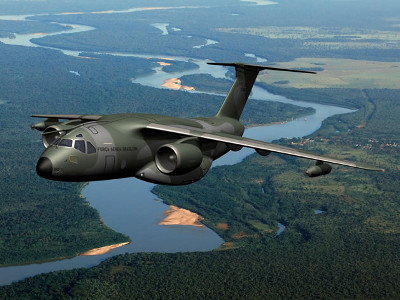 Embraer vende 28 aviones militares de carga a Brasil
