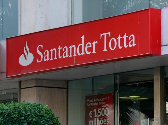 Santander Totta cuadruplica su beneficio hasta marzo