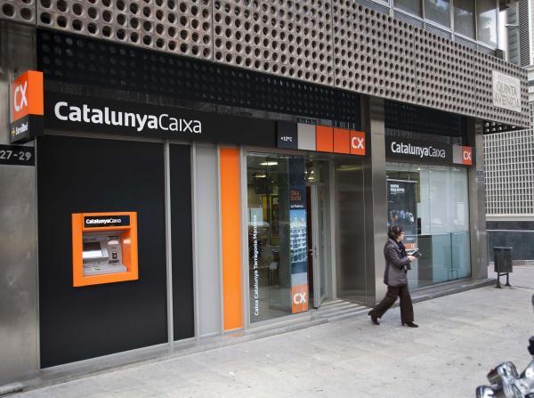 CatalunyaCaixa ofrece líneas de crédito a 10.000 microempresas catalanas