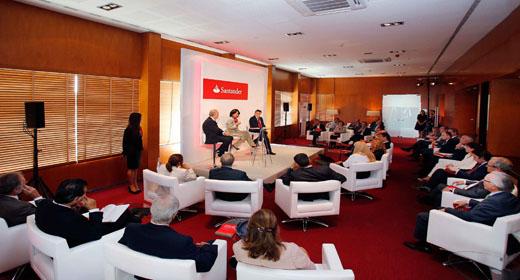 Ana Botín inicia una gira para reunirse con clientes y empleados de Banco Santander