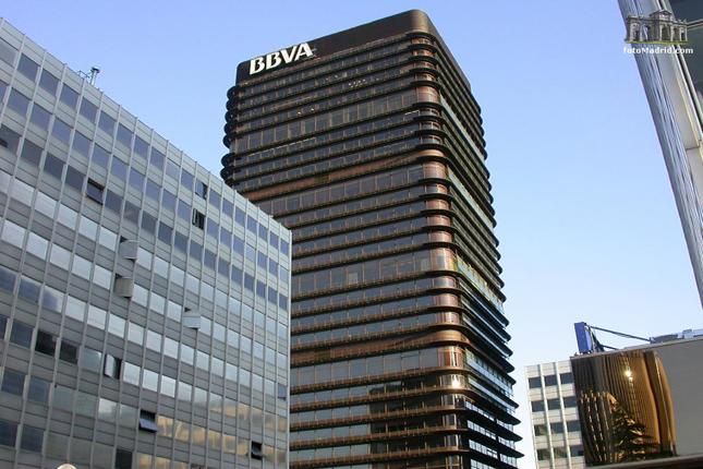 BBVA: los españoles ahorran para completar la pensión pública