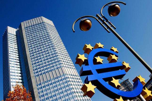 Merkel y Macron revisan la reforma de la zona euro