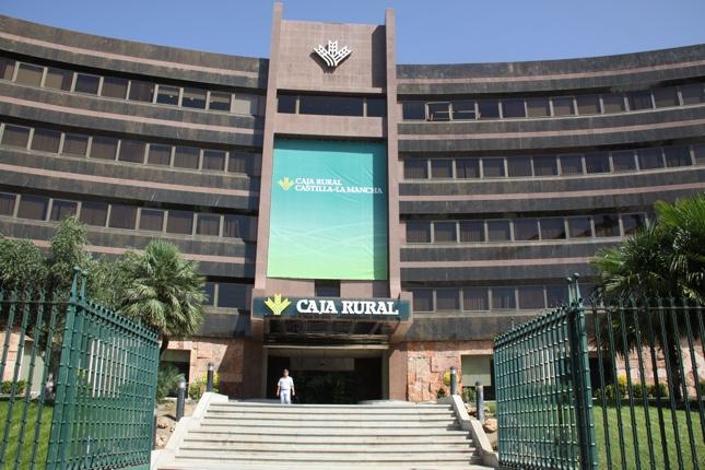 Caja Rural CLM firma línea de crédito con el Ayuntamiento de Azuqueca
