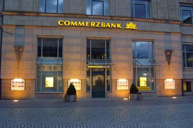 Commerzbank quiere cobrar a las grandes compañías por custodiar sus depósitos