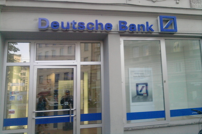 Deutsche Bank coloca 1.200 millones en bonos convertibles