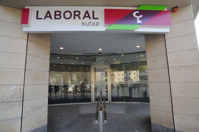 Fitch confirma el rating 'BBB+' de Laboral Kutxa