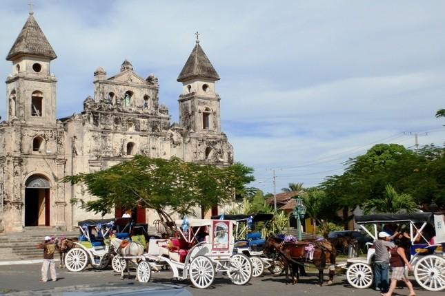 La banca de Nicaragua solicita a sus clientes que cambien las chequeras