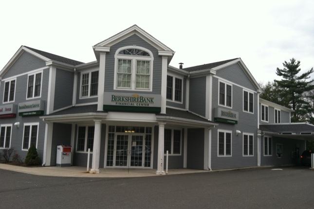 Berkshire Bank compra Hampden Bank