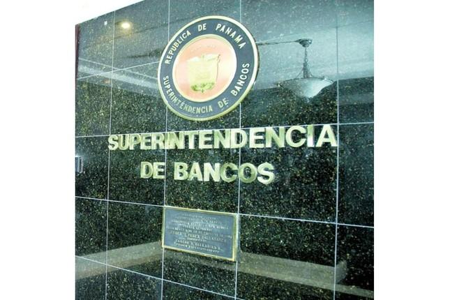 Centro bancario internacional de Panamá creció un 10,7 % en octubre