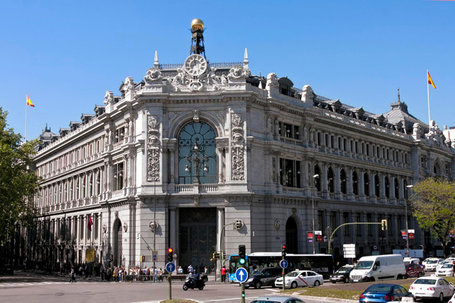 La banca española recortó sus activos dudosos en 2014