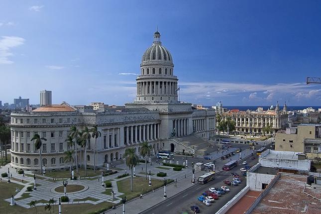 Los bancos de Estados Unidos podrán abrir cuentas a ciudadanos cubanos