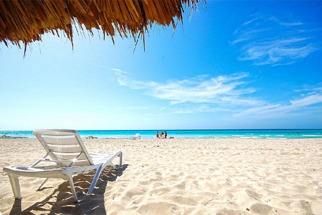 Canarias, Cataluña y Andalucía tienen mayor peso en el gasto turístico