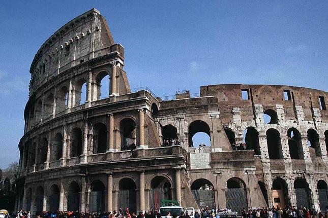 El Eurogrupo insta a Italia a cambiar sus presupuestos
